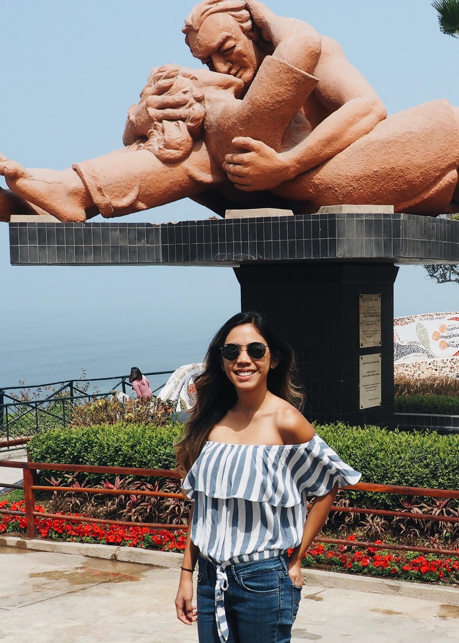 """""""El Beso,"""" Park of Love, Miraflores Lima, Peru"""