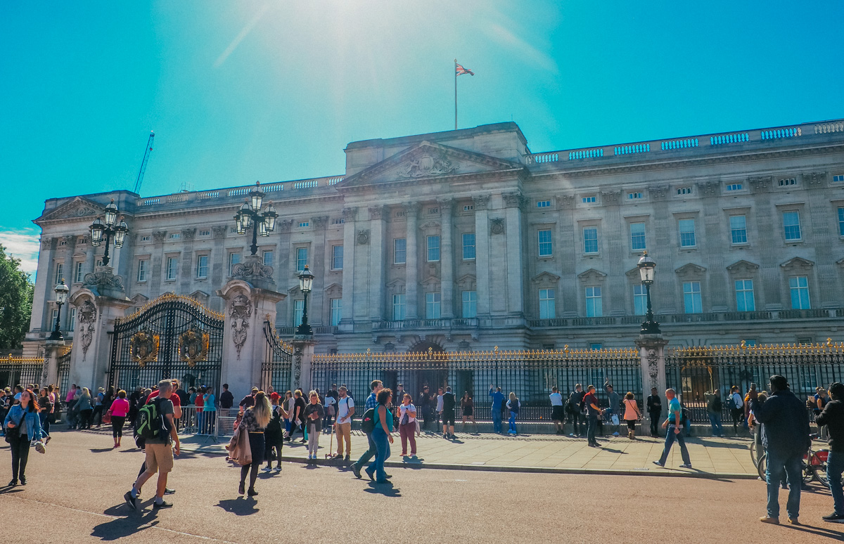 buckingham palace london.jpg