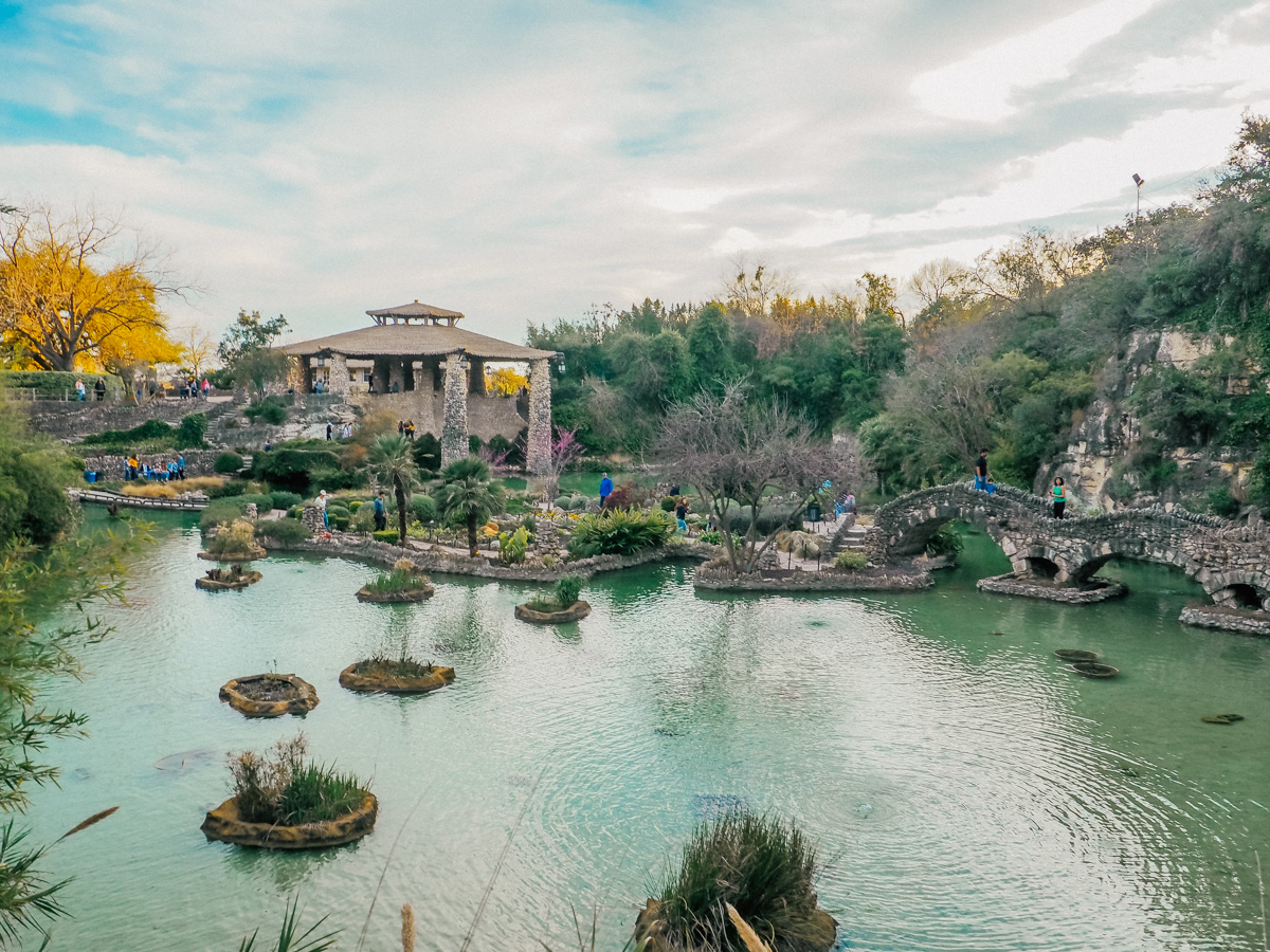 lake japanese tea garden in san antonio tx (1 of 1).jpg