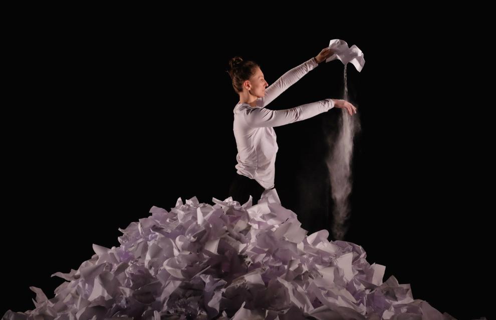 Dancer: Lisa Hood. Photo: Caroline Tosin.
