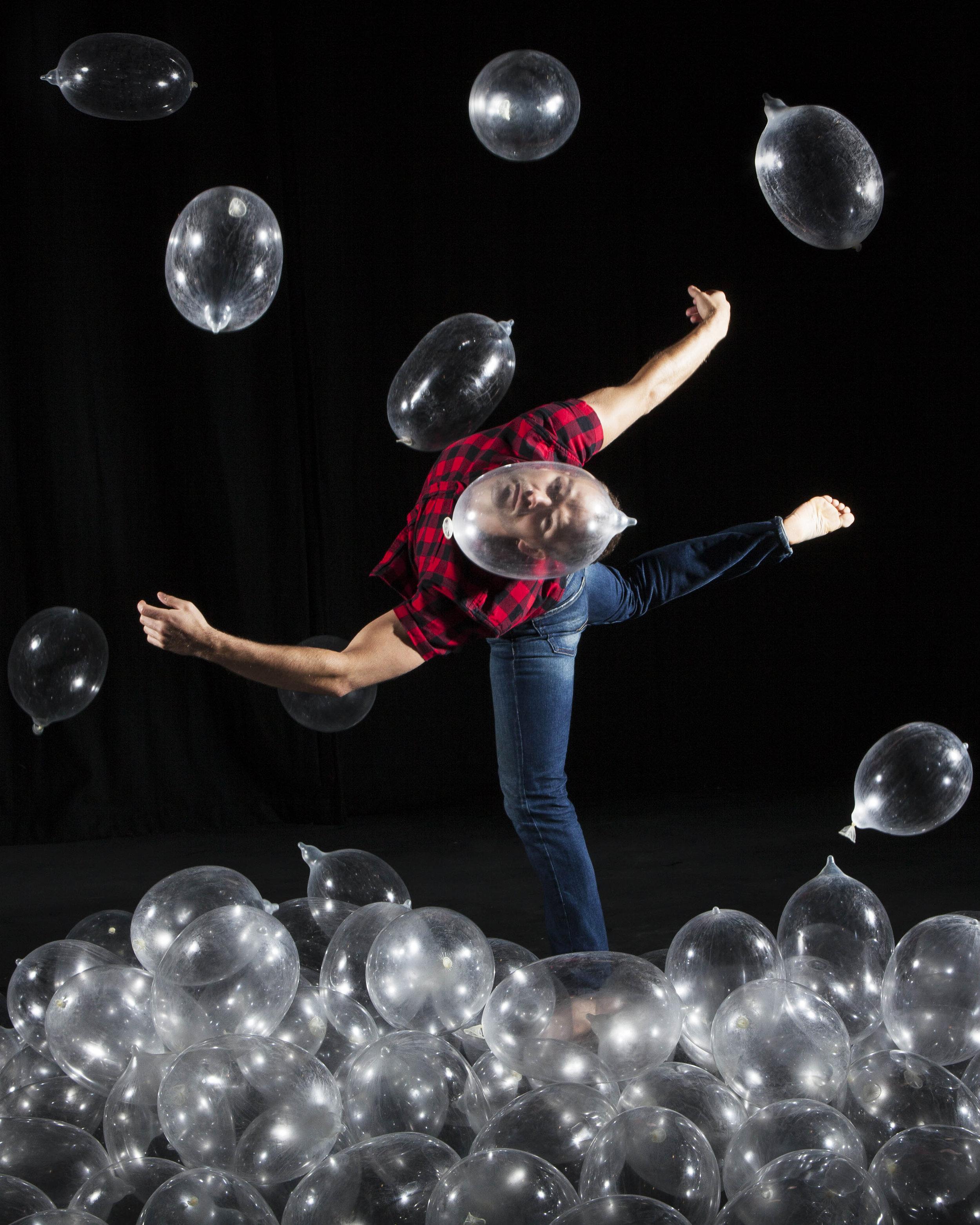 Photo: Maria Falconer. Dancer: Vince Virr.