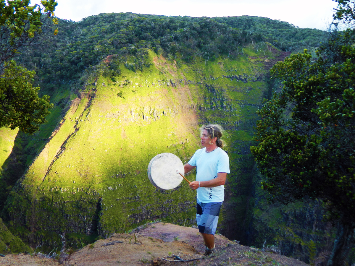 Shamanic Drumming Scott Silverston - hawaii shamanism retreat