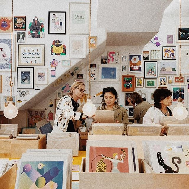 We are a bit obsessed with @ogaleria, a #womanowned print gallery with shops in both Porto & Lisbon! Be sure to pass by there if you're visiting! ⁠ ------------------------------------⁠ @wildterrains is a women-fueled travel company. We design awesome group trips that connect like-minded women around the world and we partner with local, women-owned businesses wherever we go.⁠ ------------------------------------⁠ 📷: @laurenlouisecollective⁠ #womenbusinessowners #womeninbusiness #ladyboss #bossbabe #femaleentrepreneurs #womenentrepreneur #femalefounded #womensupportingwomen #womeninbiz #bossladymindset #hustle #girlboss #artlife #portugalart #illustration