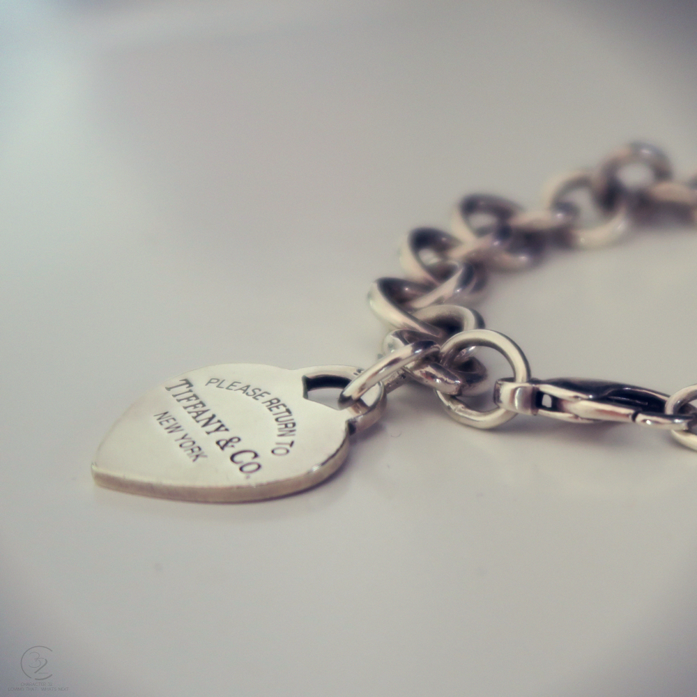 tiffany-and-co-bracelet-return-to-tiffany-love-heart-upclose-character-32-lifestyle-fashion