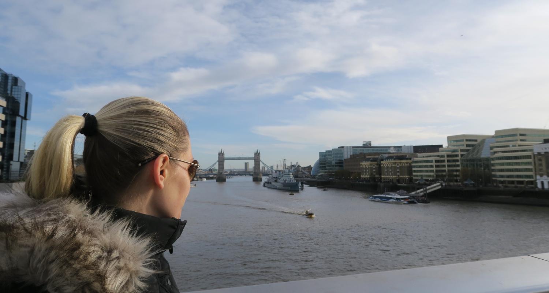 globetrotter-character-32-london-uk-travel