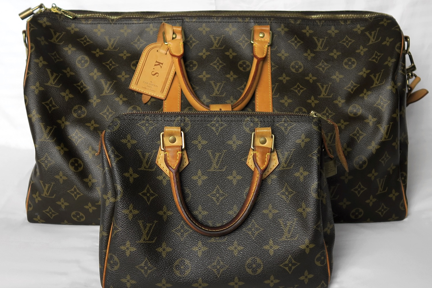 louis-vuitton-keepall-55-strap-speedy-25-monogram-character-32-lifestyle