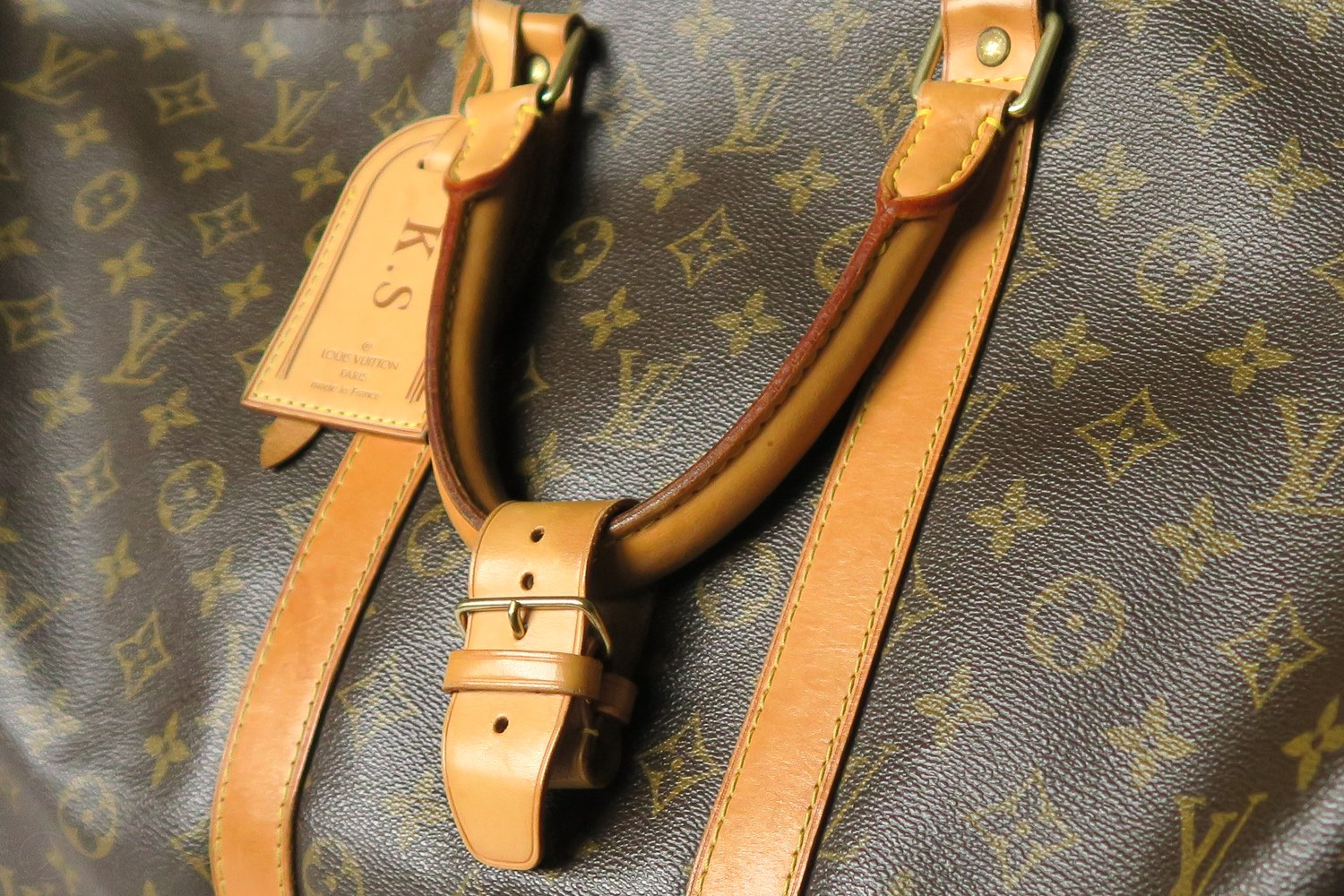 louis-vuitton-keepall-55-strap-monogram-character-32-c32