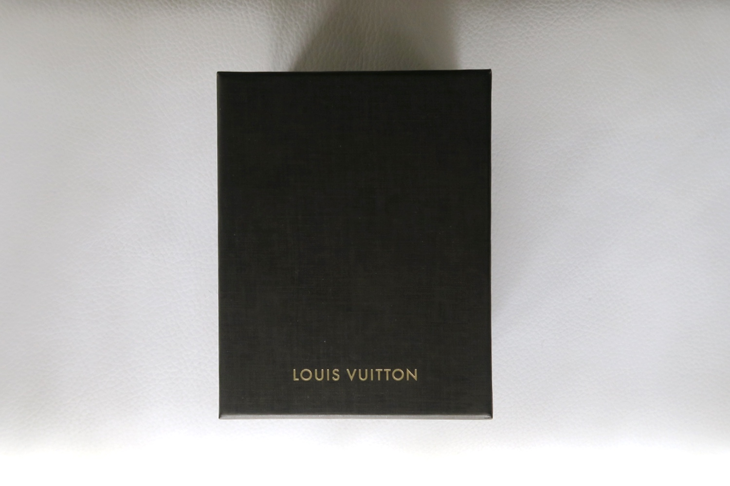 louis-vuitton-emprise-23-timepiece-watch-character-32-c32-box
