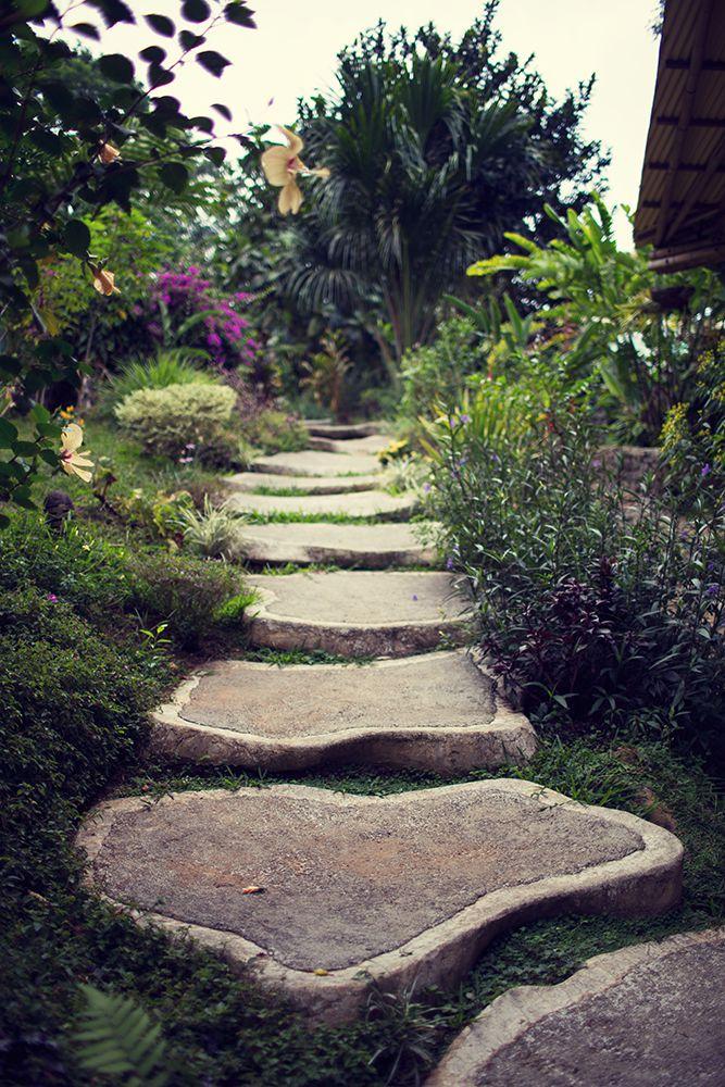 retreat_selva-armonia_yoga-november_2015-rock_path2.jpg