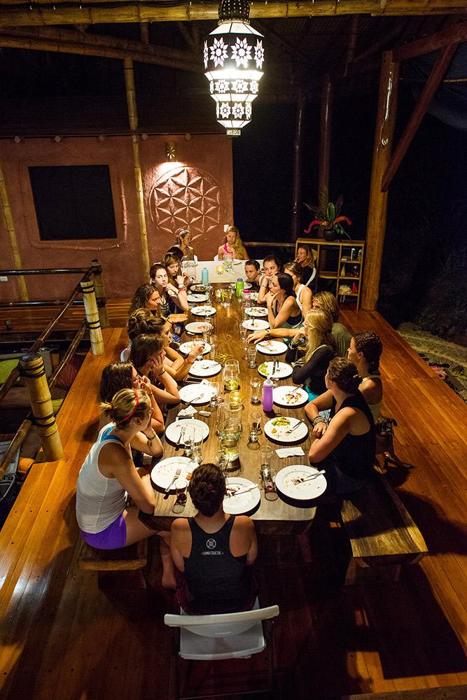 retreat_selva-armonia_vegan-january_2016-dinner_guests.jpg