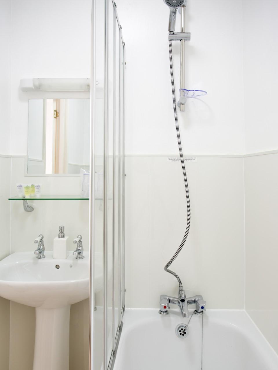 thumbnail_TA_Bathroom-5991-4.jpg