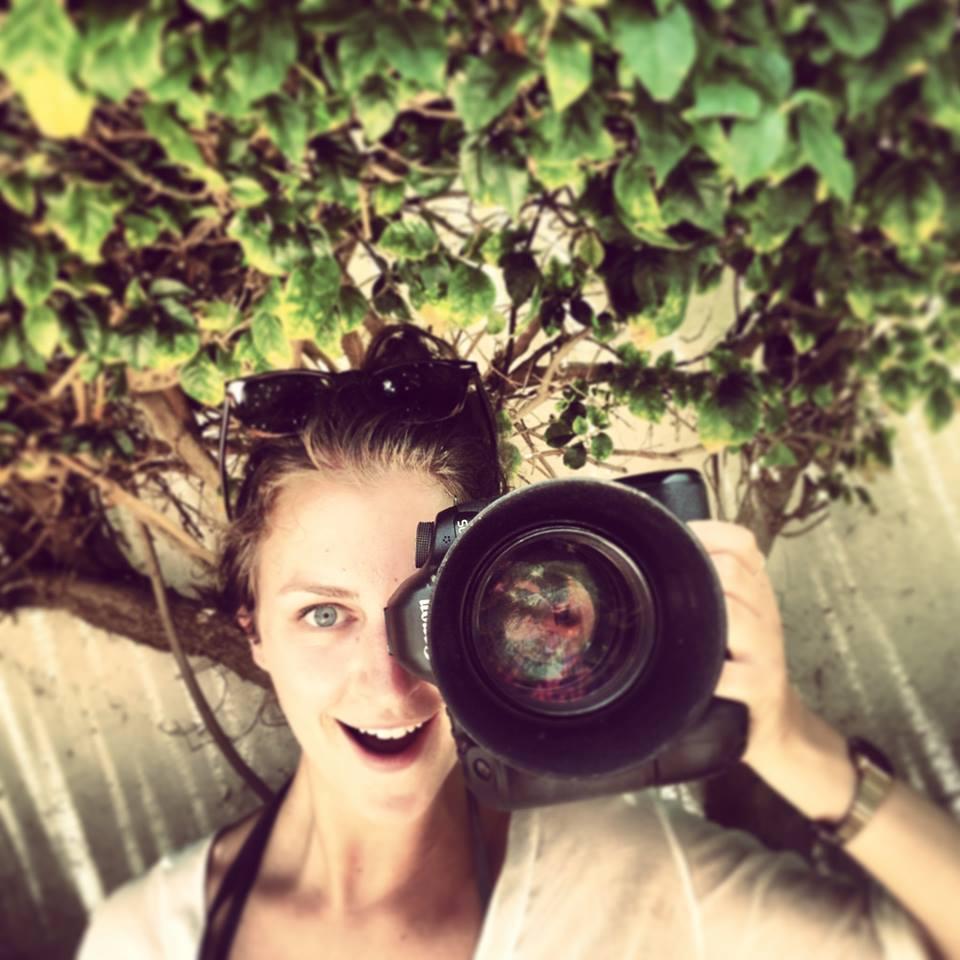Laura de Clippele - Photographe et vidéaste belge, Laura a participé à la création du shooting de la collection de bijoux