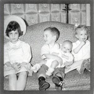leslie siblings.jpg