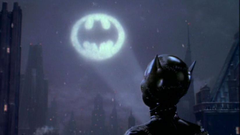 batman_returns_christmas.jpg