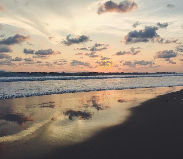 Hi, my name is Alix. I enjoy long walks on the beach at sunset. Call me.