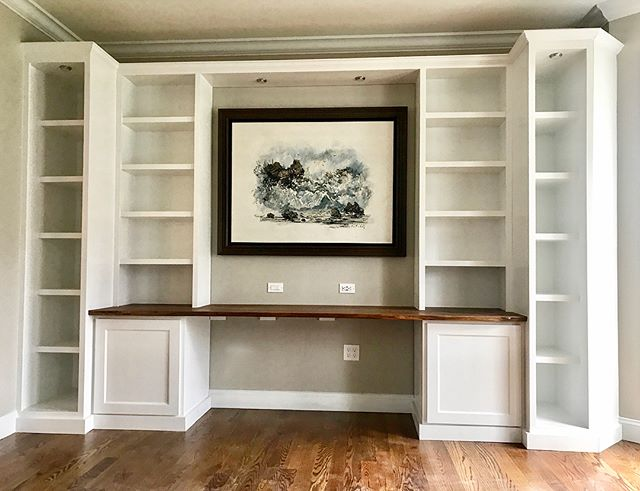 I just finished this home office library project. The desk is 9' long live edge. Framed by traditional cabinets and shelves. . . . . .  #icu_architecture #jj_architecture #creative_architecture #arkiromantix #tv_architectural #archimasters #excellent_structure #arquitecturamx #diagonal_symmetry #lookingup_architecture #unlimitedcities #sky_high_architecture  #fineart #abstractpainting #myart #artcollector #abstractart #artphotography #modernart #instaartwork #oilpainting #contemporarypainting #painter #instaartoftheday