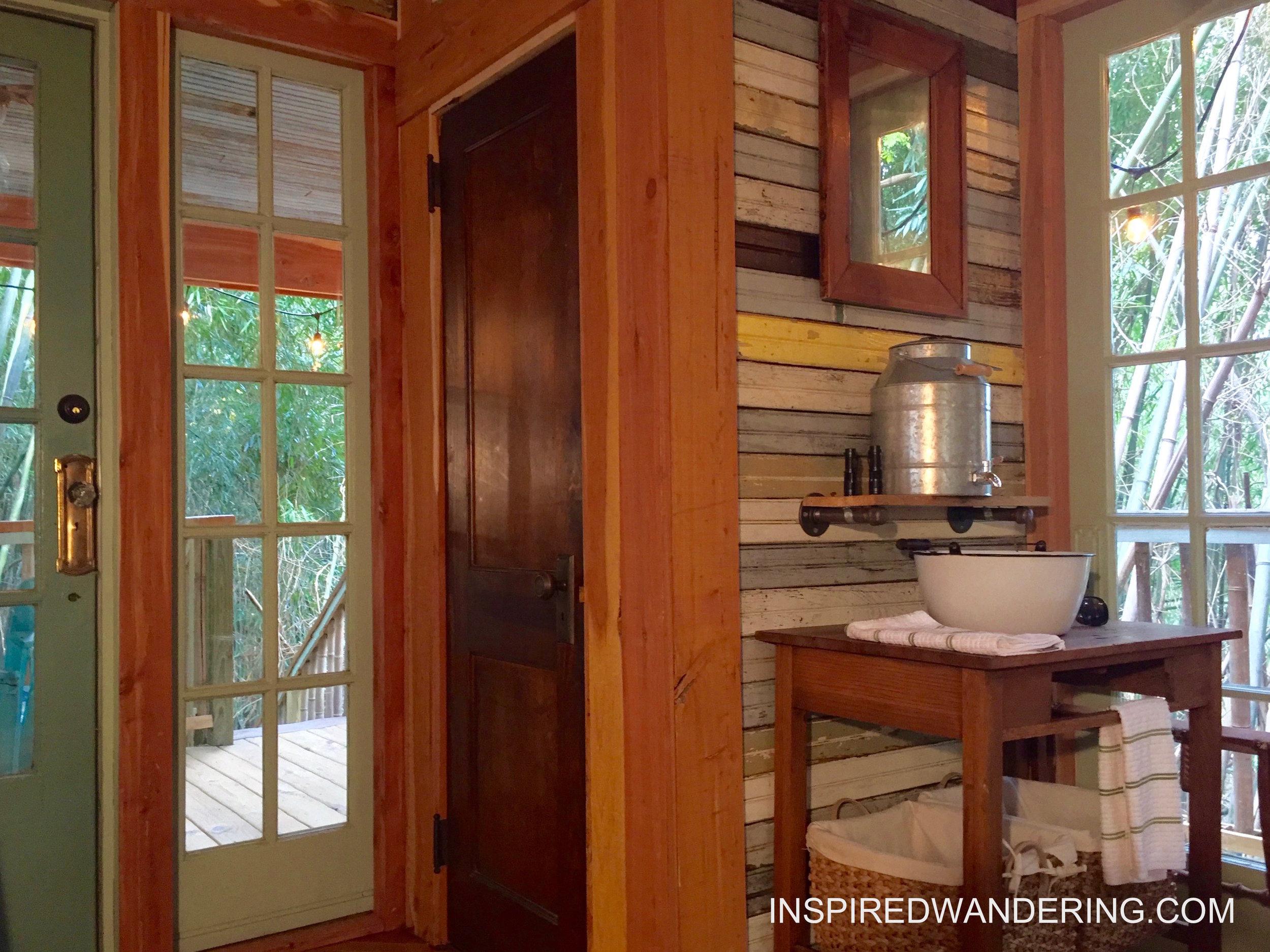 Alpaca Treehouse Atlanta (4).jpg