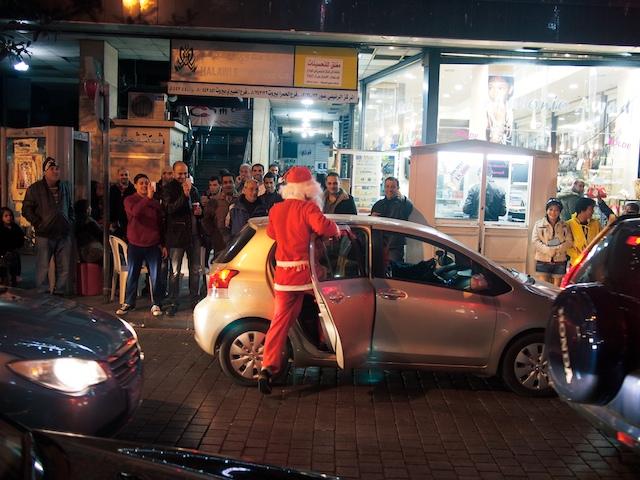Christmas Eve in Hamra Beirut. (Achim Voss - Flickr)