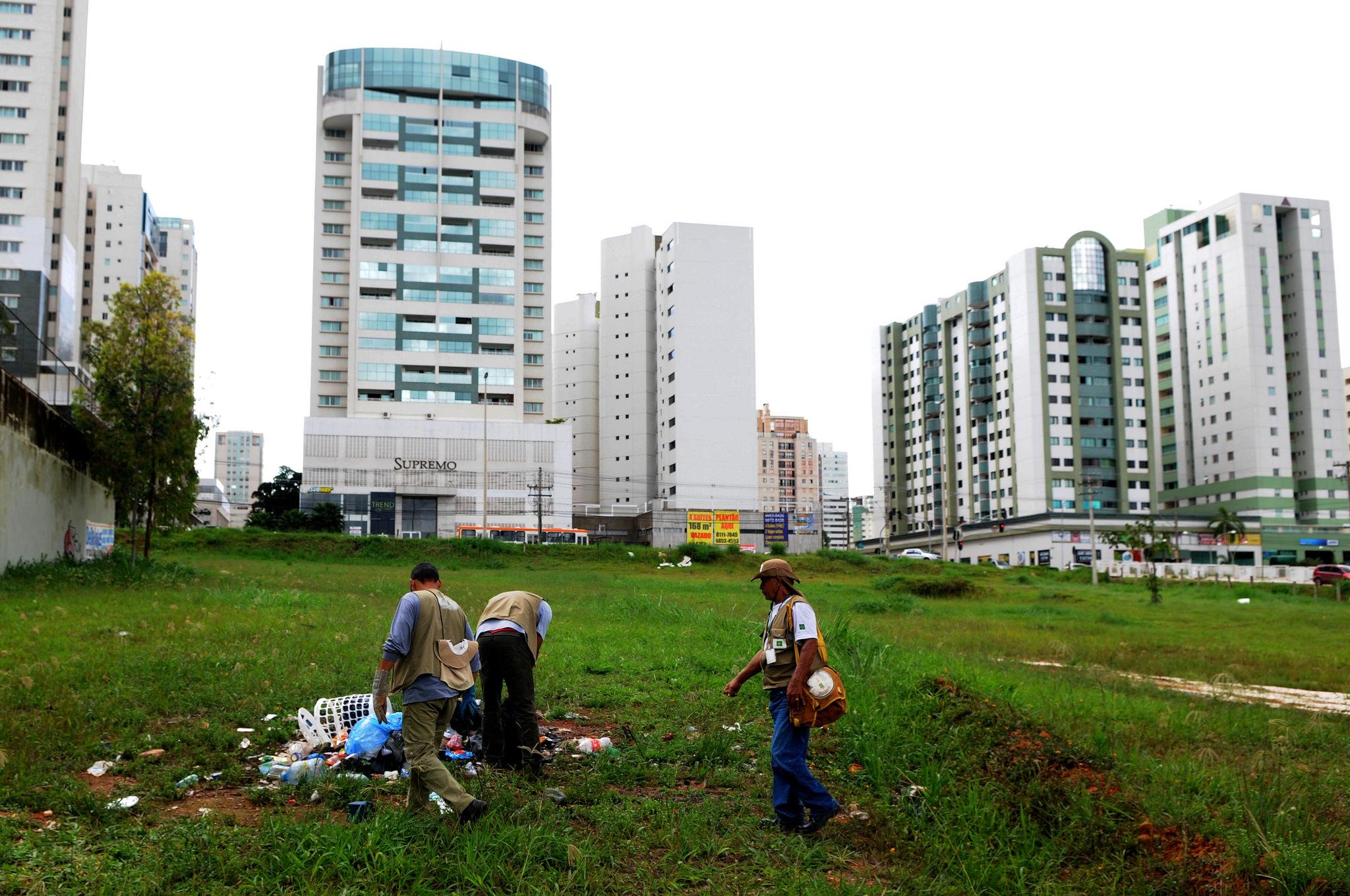 Construction in Brazil. - Agência Brasília (Flickr)