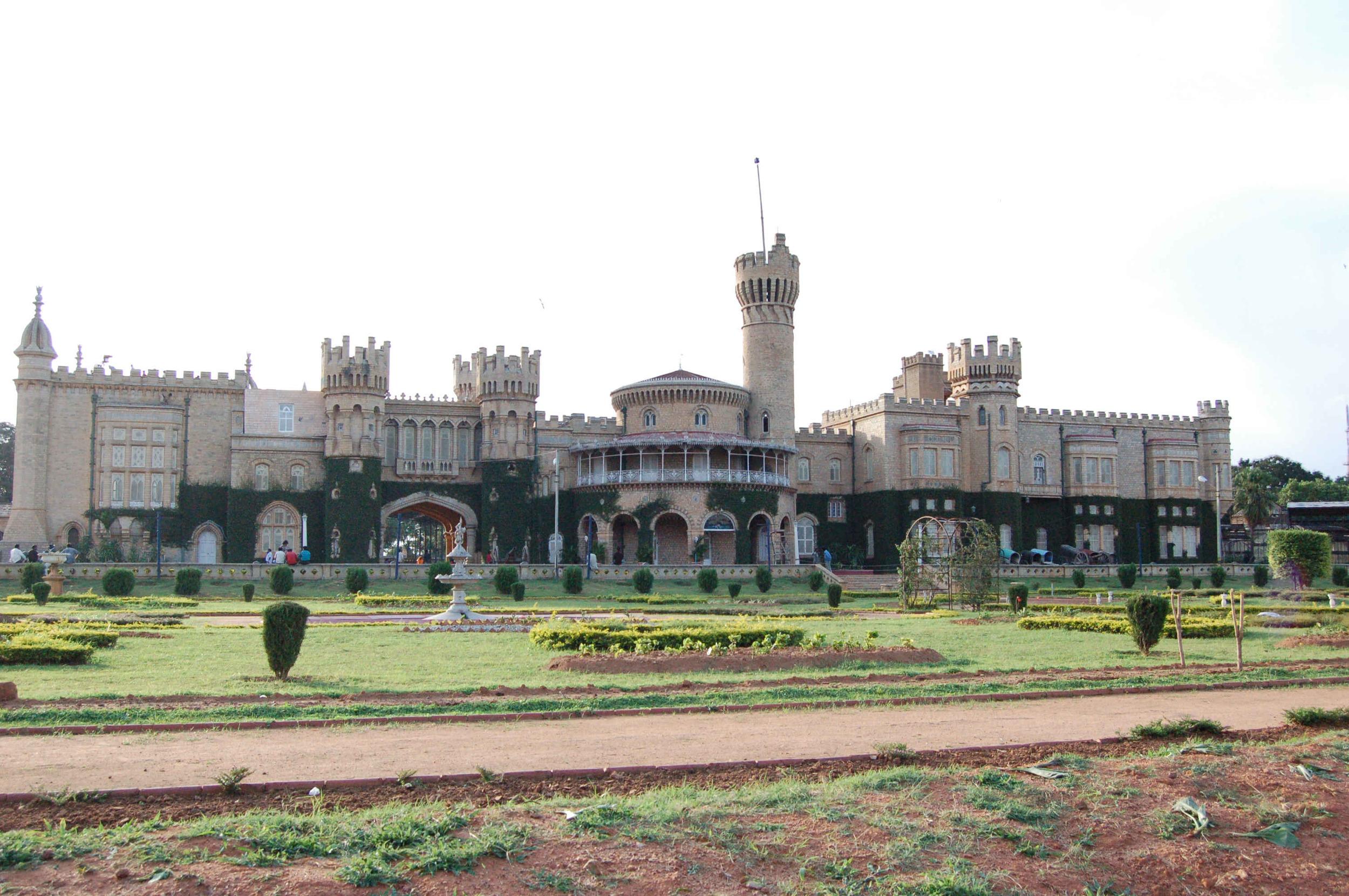 Bangalore Palace (Asif Musthafa - Flickr)