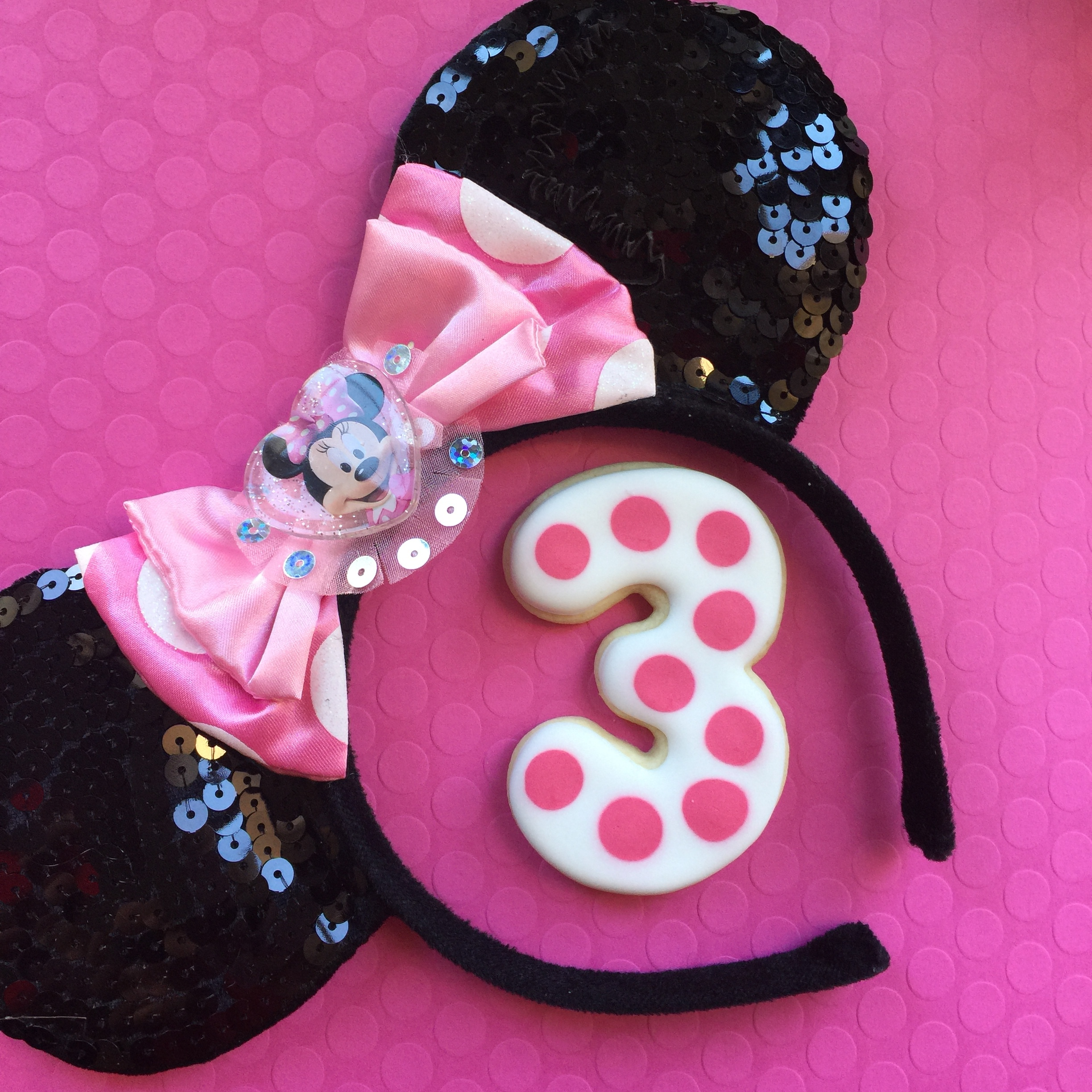 polka dot minnie cookies.JPG
