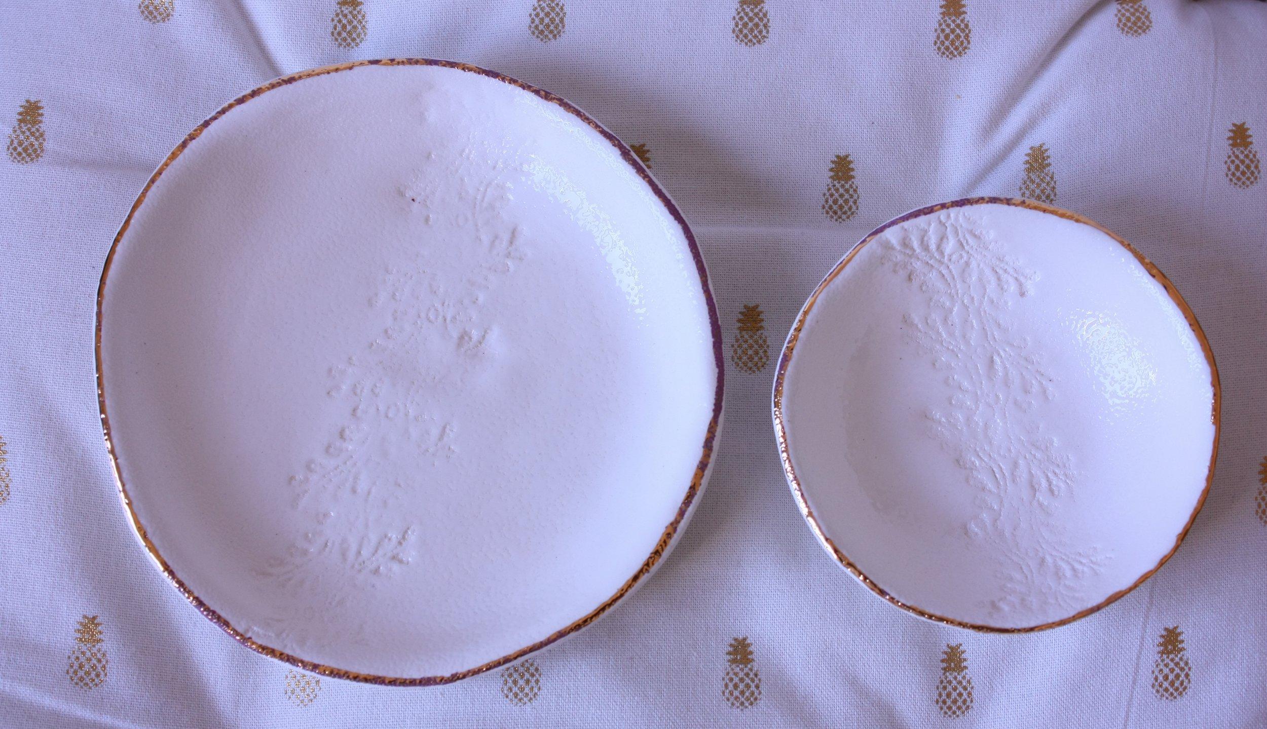 Juego platos_blanco y lustre Oro