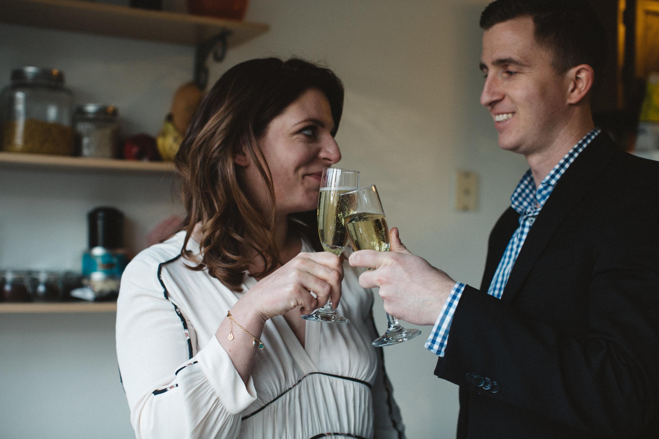 Santé aux jeunes mariés!