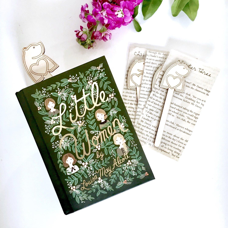 gift ideas for book lovers bearhug gifts.jpg