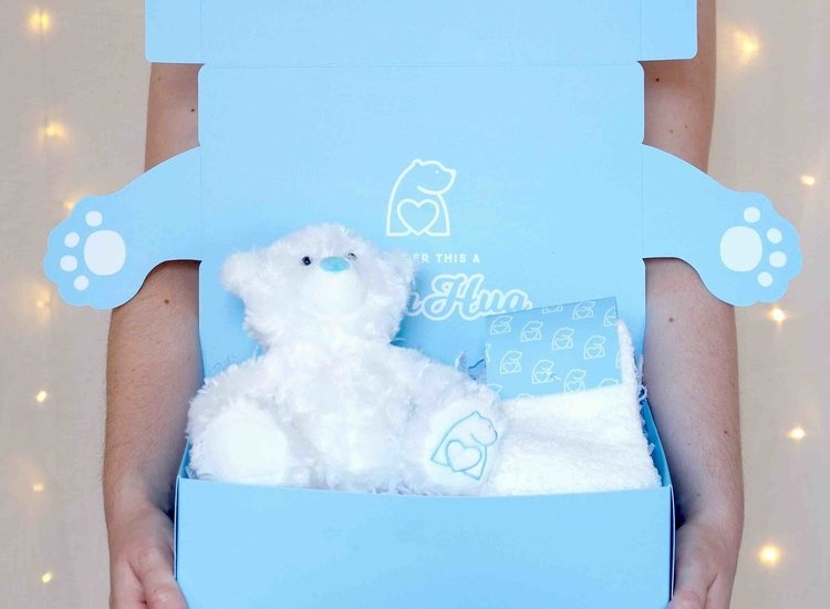 cosiest+hug+in+a+box+gifts+bearhugs.jpg