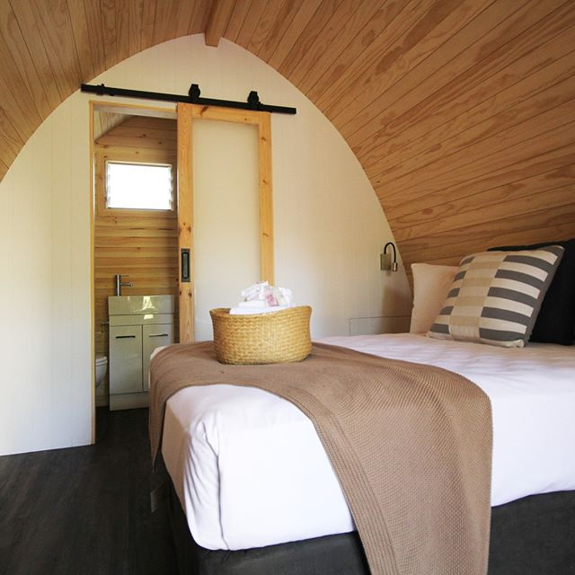 These glamping pods are my style of holiday! 🙌  Why not check them out for yourself at BIG4 Yarra Valley Park Lane Holiday Park?  LINK IN THE BIO!  #ExploreBIG4 #BIG4 #BIG4HolidayParks #SeeAustralia #Glamping #VictoriaAustralia #YarraValley