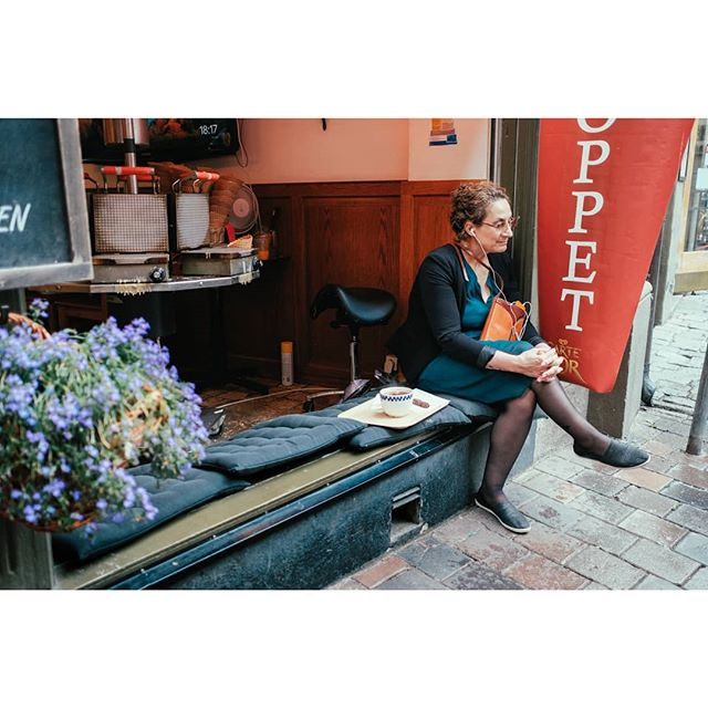 Relaxing in Stockholm. . . . #streetdreamsmag#streetphotography#streetweekly#createexplore#urbanandstreet#streetleaks#inspirationcultmag#streetphotographers#gramslayers#ourstreets#streets_vision#wearethestreets#depthobsessed#createcommune#citygrammers#beststreets#streetactivity#streetshared#streetmobs#illgrammers#sweden#galmastan#street
