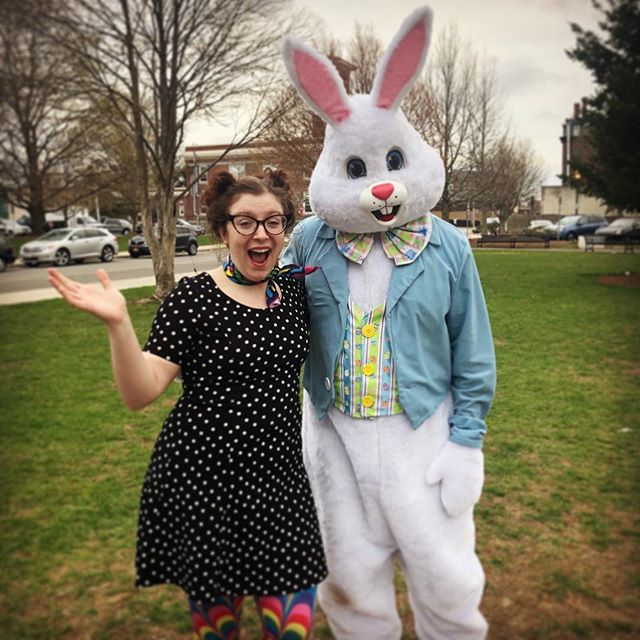 Stoneham Common Easter Egg Hunt! I met the Easter bunny and my parents did too! What a wonderful balloon twisting day! So full of love and fun. 💖🐇🎈🎉 #balloonclown #easterfun #bostonclown #balloonladyclown #balloontwisting #happiness #love #joy #stonehamtowncommon @stoneham_chamber