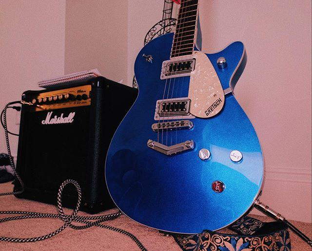 𝐂𝐚𝐧'𝐭 𝐰𝐚𝐢𝐭 𝐭𝐨 𝐛𝐫𝐞𝐚𝐤 𝐲𝐨𝐮 𝐨𝐮𝐭 𝐚𝐭 𝐬𝐨𝐦𝐞 𝐬𝐡𝐨𝐰𝐬 💙 ✧ ✧ ✧ #guitar #guitarist #acoustic #band #bassist #music #rock #cover #song #musician #guitarplayer #sing #acousticguitar #fender #guitarra #guitarporn #piano #metal #instamusic #guitarsolo #musica #singing #gibson #guitars #countrymusic #bass #electricguitar #jazz #rocknroll #lovemusic