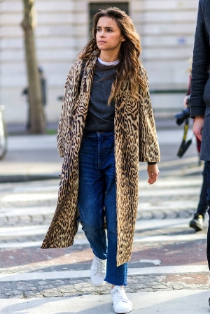 Le-Fashion-Blog-Fall-Street-Style-Pfw-Animal-Print-Coat-Grey-Sweater-White-Tee-Dark-High-Waisted-Slouchy-Jeans-White-Sneakers-Via-Harpers-Bazaar-UK.jpg