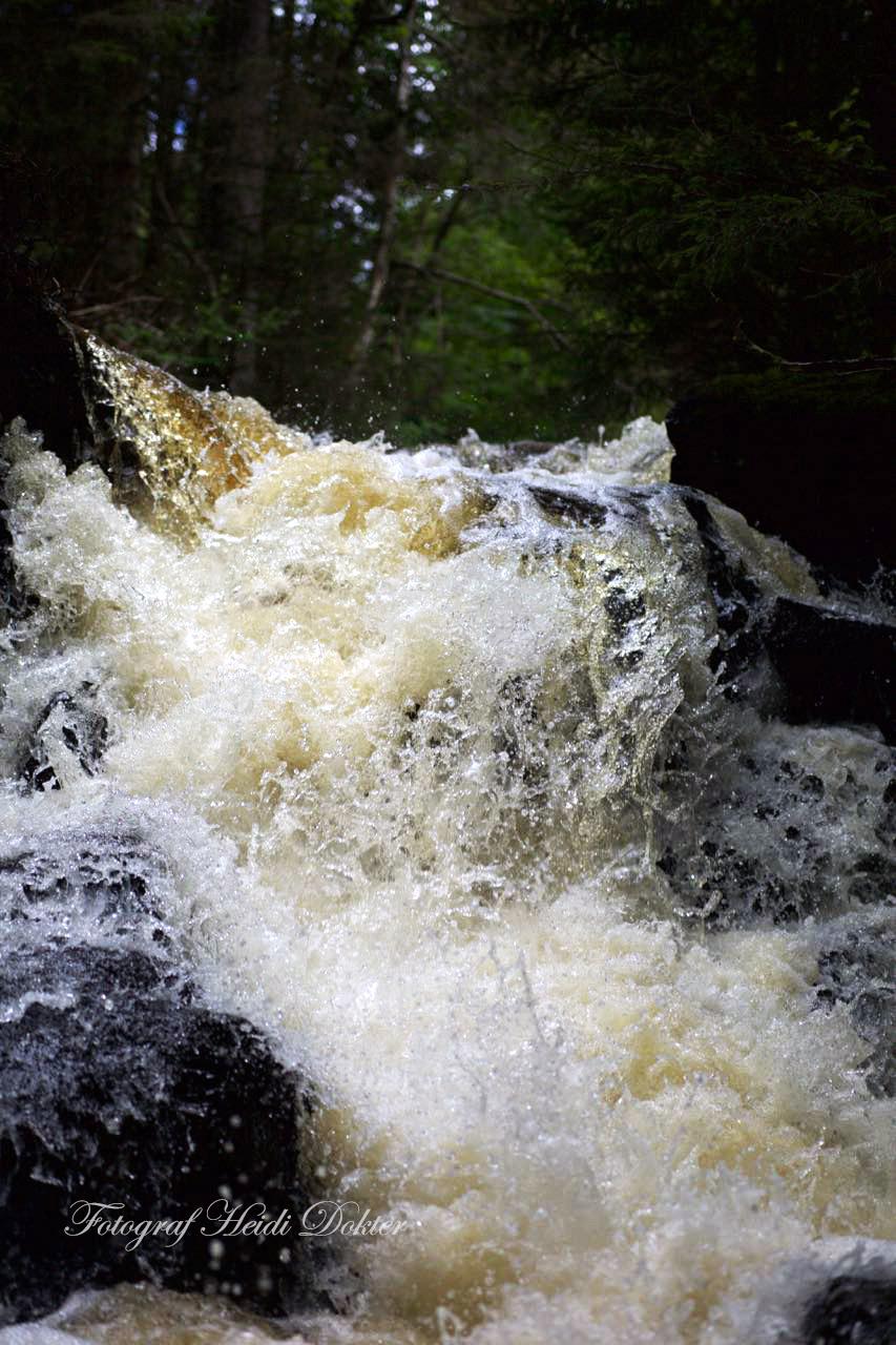 waterfall_fast.jpg