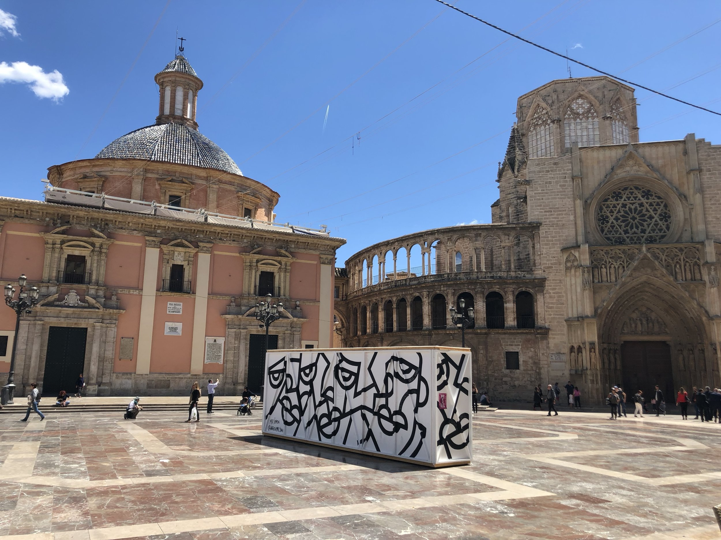 The Plaza de la Virgen was my favorite place to people watch.