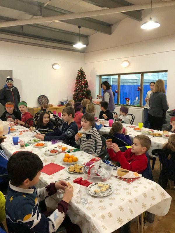 Christmas childrens party 2018 photo2.jpg