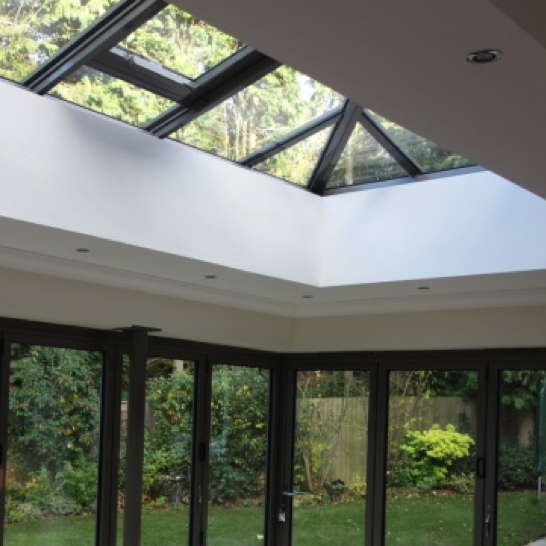 Hip-end roof lantern