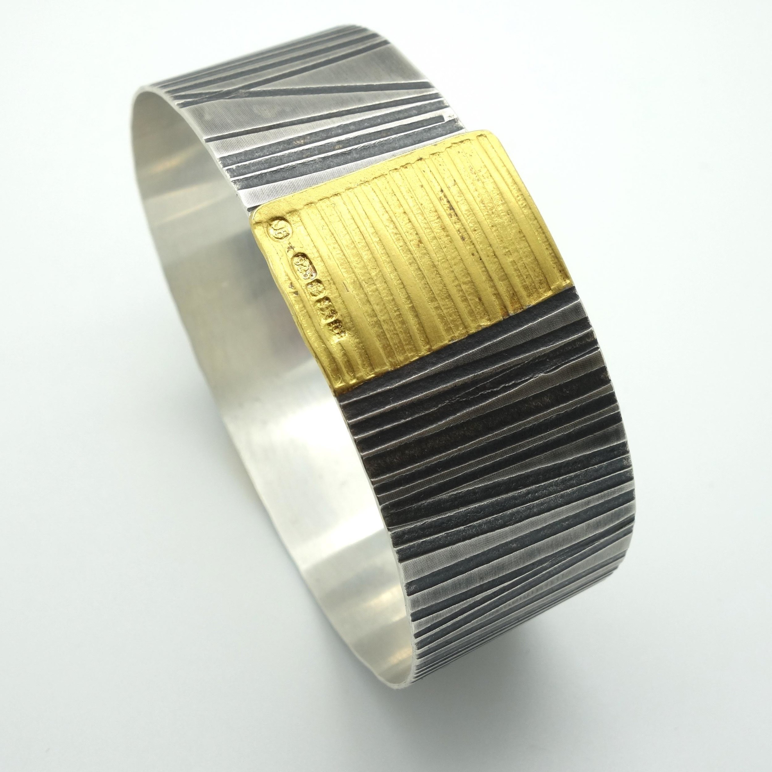 Cuff Oxidised silver and gold £