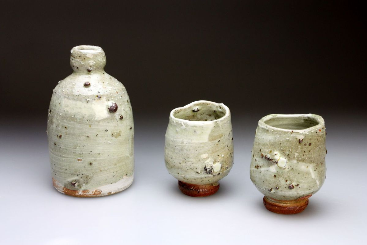 Sake_Set_with_Stone_Inclusions_and_Ash_Glaze800.jpg
