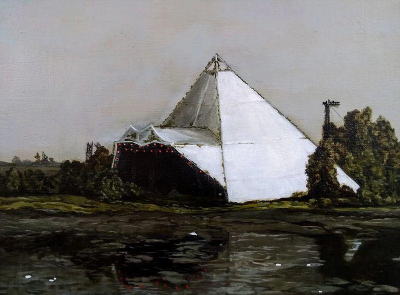 pyramid stage_800.jpg