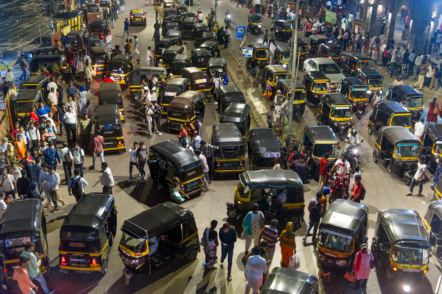 Traffic outside Matunga train station, Mumbai, 2019