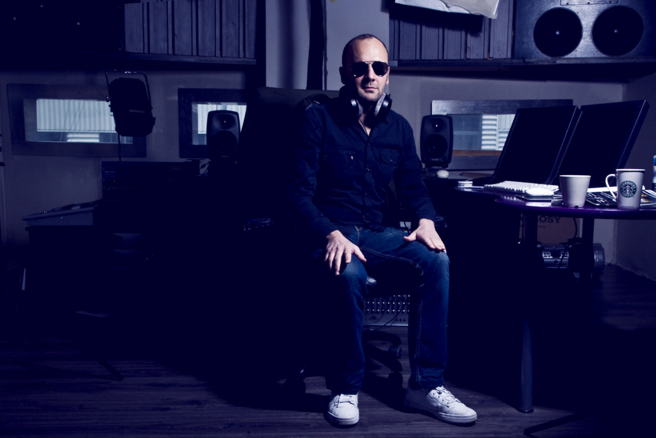 Promoshoot  Star producer Geir Luedy from  YourFavorite Music AS  have produced music for band and singers such as Susanne Sundfør, Kaizer Orchestra, Forza and so on. This is some of the picture we took in his studio… where the magic happens.