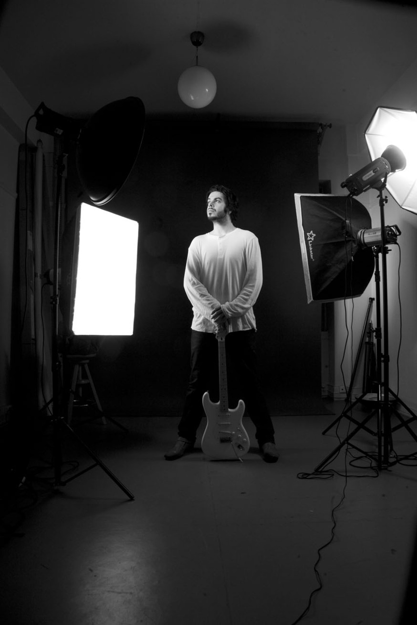 Behinde the scene with gitar surf-rock musician David Pavels Check Out his music  http://www.myspace.com/davidpavels
