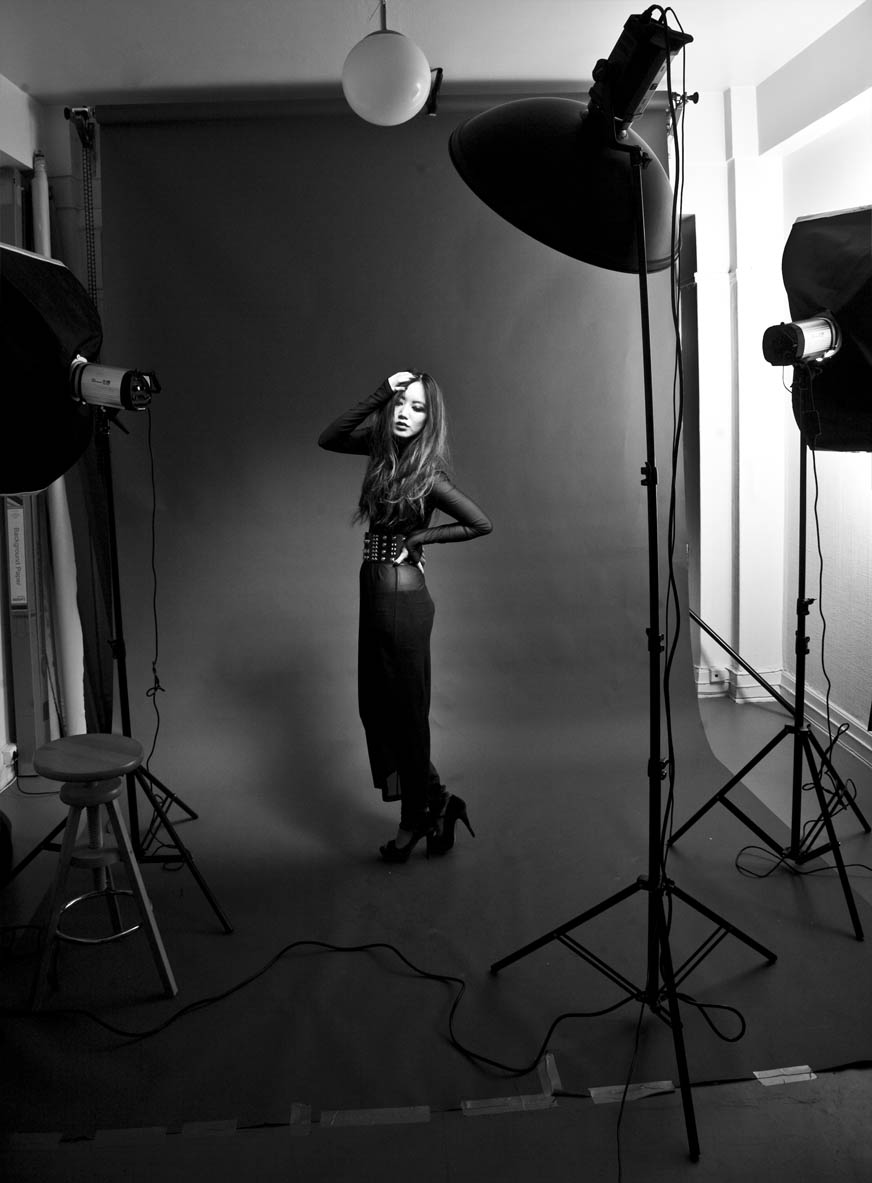 Behind the scene - Great Shoot with A great Model  BettyBachtz shot today … some more edited pictures will come!