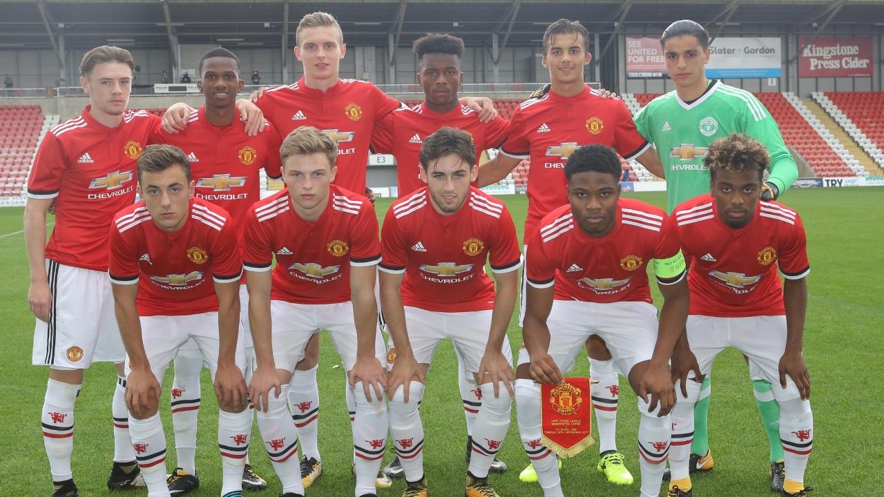 SVC2018_Manchester_United_Teamfoto.jpg