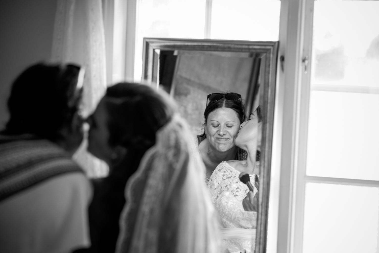 Bohemiskt lantligt bröllop i gammal byskola-4.jpg