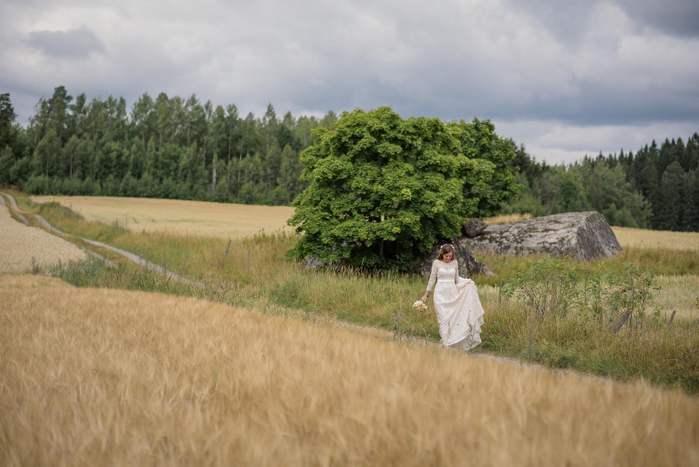 Bohemiskt lantligt bröllop i gammal byskola-36.jpg