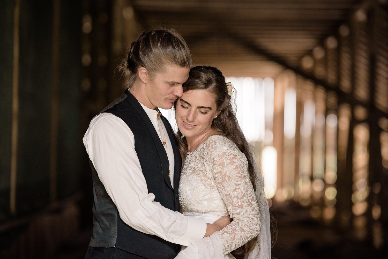 Bohemiskt lantligt bröllop i gammal byskola-73.jpg