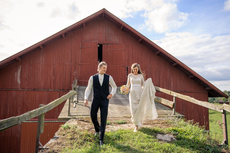 Bohemiskt lantligt bröllop i gammal byskola-74.jpg